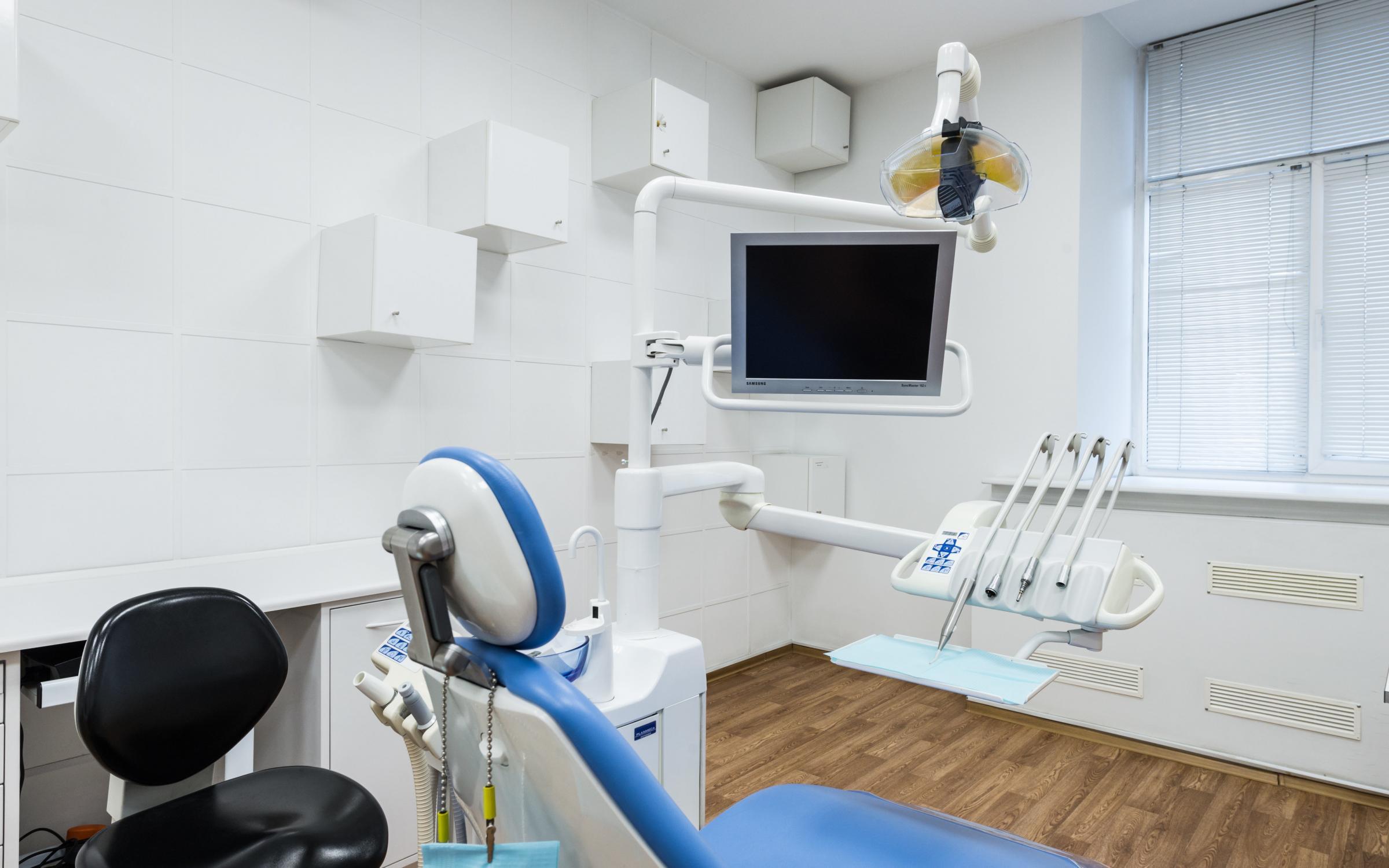 Как стоматологическое оборудование купить и лишнего не переплатить?