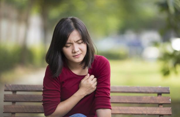 Женщины чаще переносят инфаркт на ногах