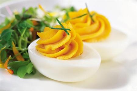 Яйца усугубляют болезнь сосудов