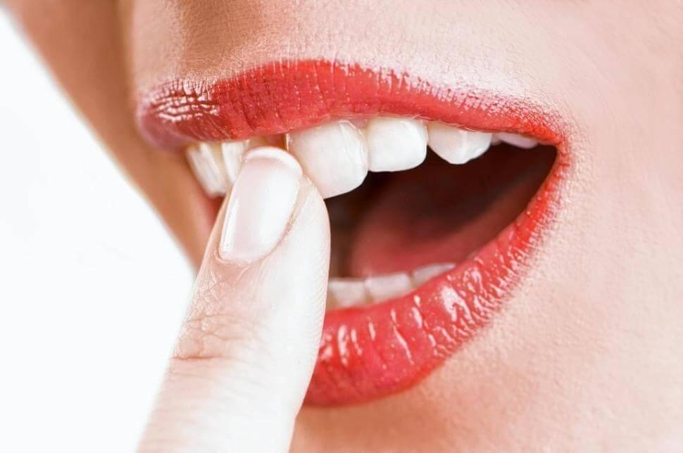 Шатаются зубы — что делать?