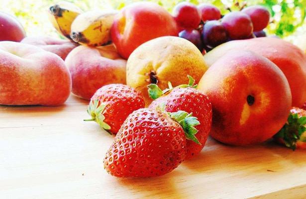 Соль вызывает гипертонию, но могут ли фрукты и овощи помочь?