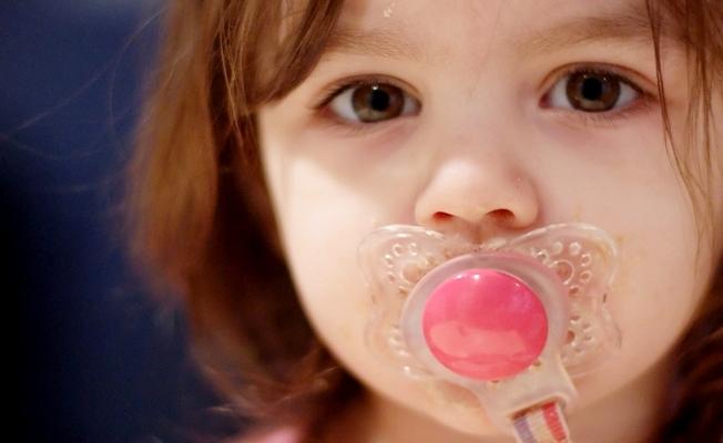 Отучить ребенка от пустышки (соски)