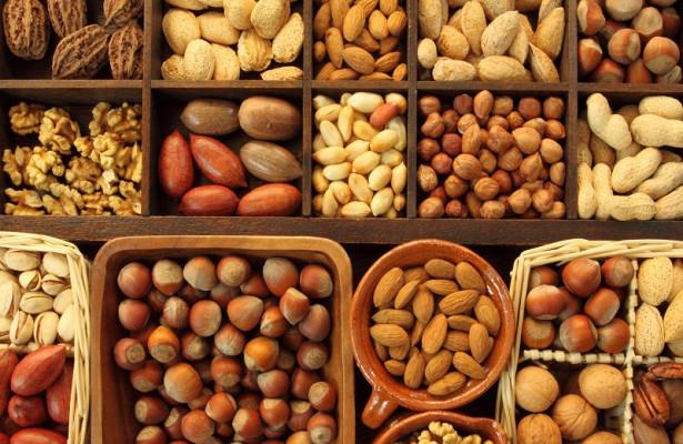 Орехи помогут избежать сердечного приступа
