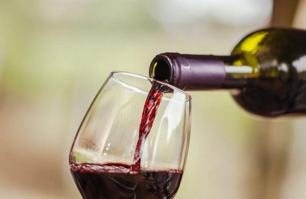 Ученые назвали полезное для сердца количество вина