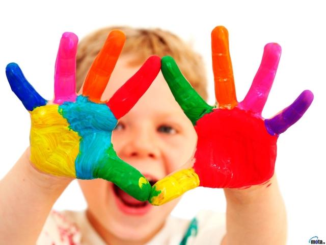 В чем польза пальчиковых красок для малышей?