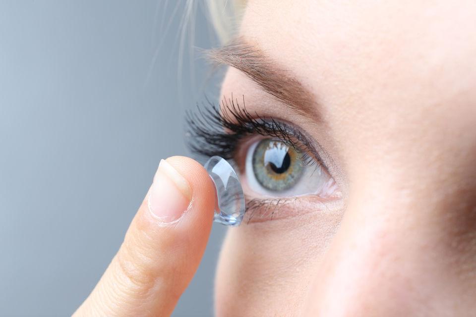 Как подобрать мягкие контактные линзы?