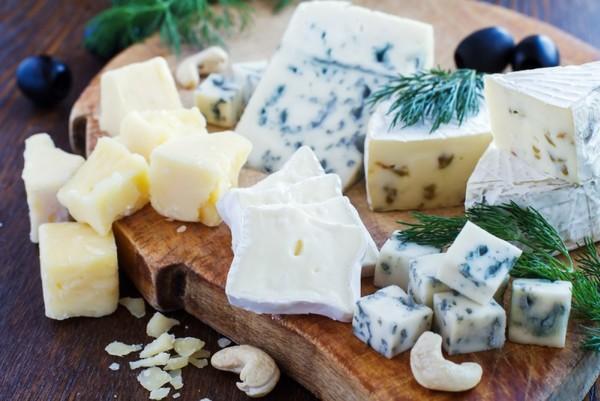 Ученые определили, безопасно ли употребление сыра для сердца и сосудов