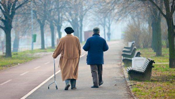 Пешие прогулки – эффективное средство профилактики старческого слабоумия