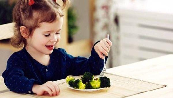 Листовые овощи защищают сердца детей