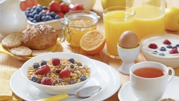 Пропуск завтрака увеличивает риск инсульта