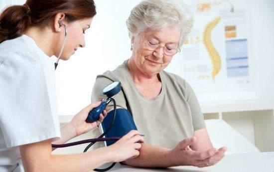 Медики назвали важные правила для пожилых гипертоников