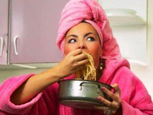 Калорийный ужин после 6 часов вечера грозит диабетом