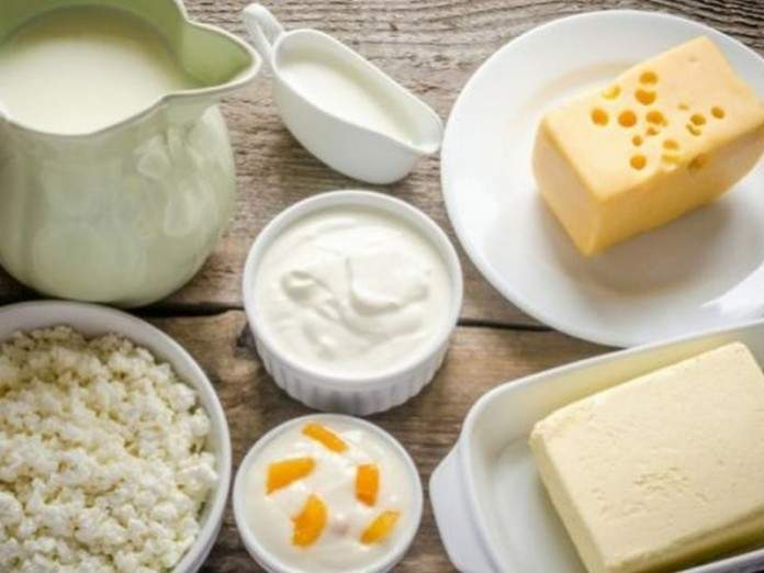 Медики рассказали, кому следует «налечь» на молочные продукты
