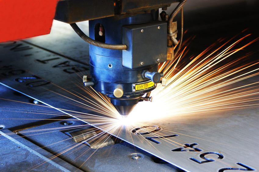 Современная технологтя резки металла — лазерная