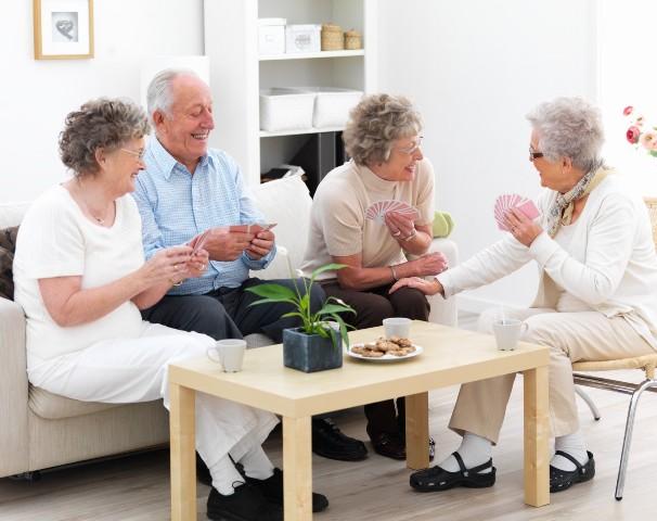 Частные пансионаты для престарелых людей: преимущества выбора