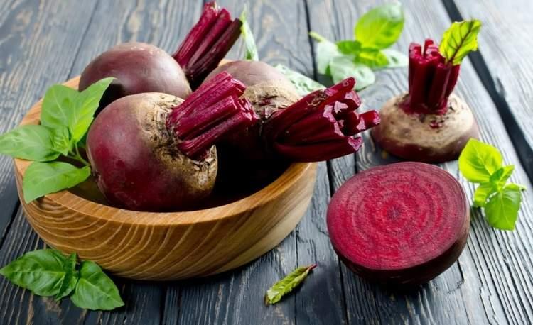 Врачи назвали овощ, очищающий сосуды от солей