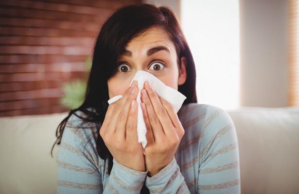 Правда ли, что во время чихания перестает биться сердце