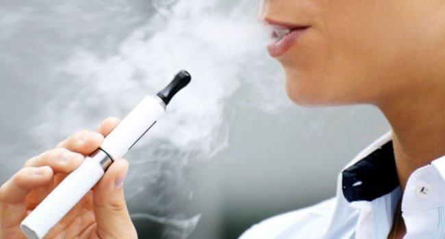 Электронные сигареты увеличивают риск инсульта и инфаркта: исследование
