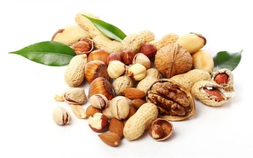 Эксперты рассказали, чем могут навредить орехи