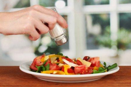 Как употребление соли влияет на мозг и сердце человека?