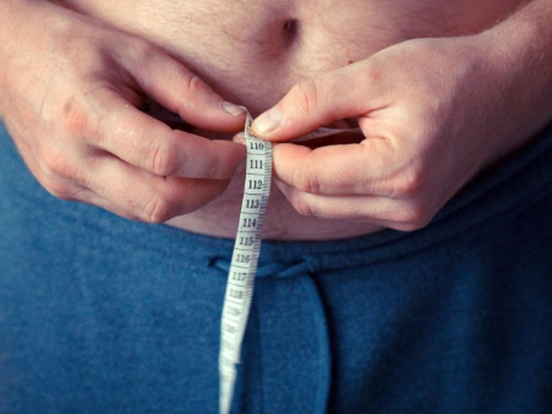 Для здорового сердца талия у женщин не должна превышать 74 см, у мужчин — 83 см