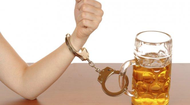 Наркомания или алкоголизм: от чего легче оправиться?