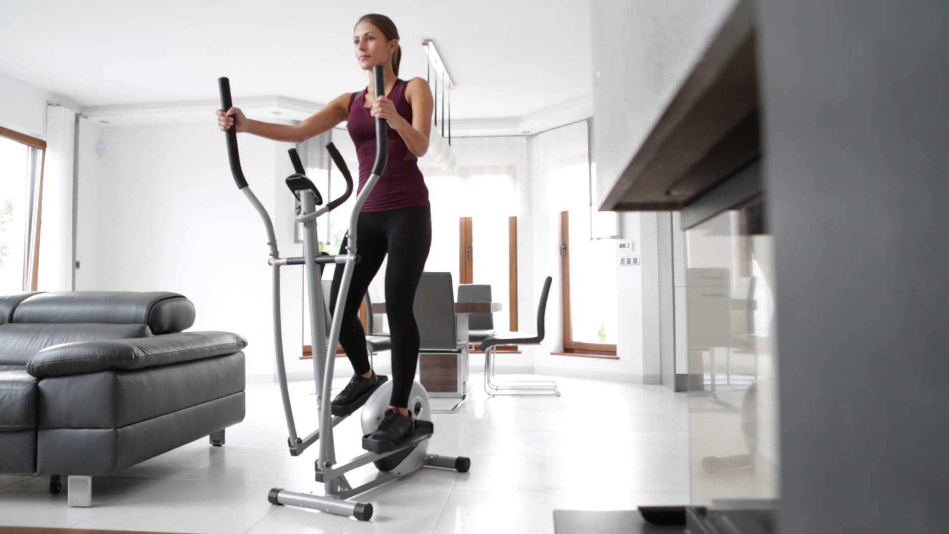 Домашние тренажеры для женщин: как выбрать