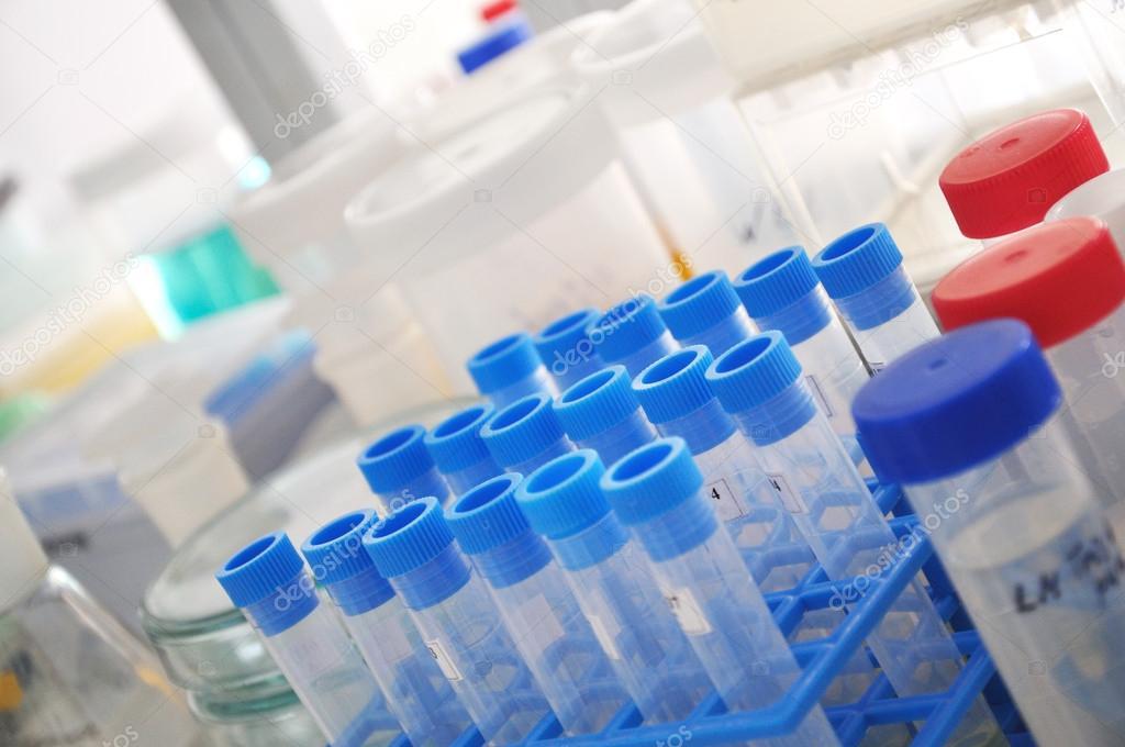 Лабораторные реагенты: какие бывают, на что обратить внимание при выборе?