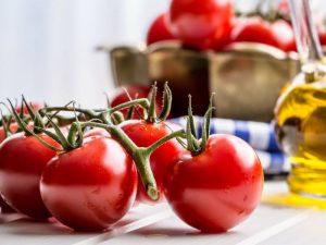 Врач: помидоры защищают от болезней сердца, рака и слабости костей
