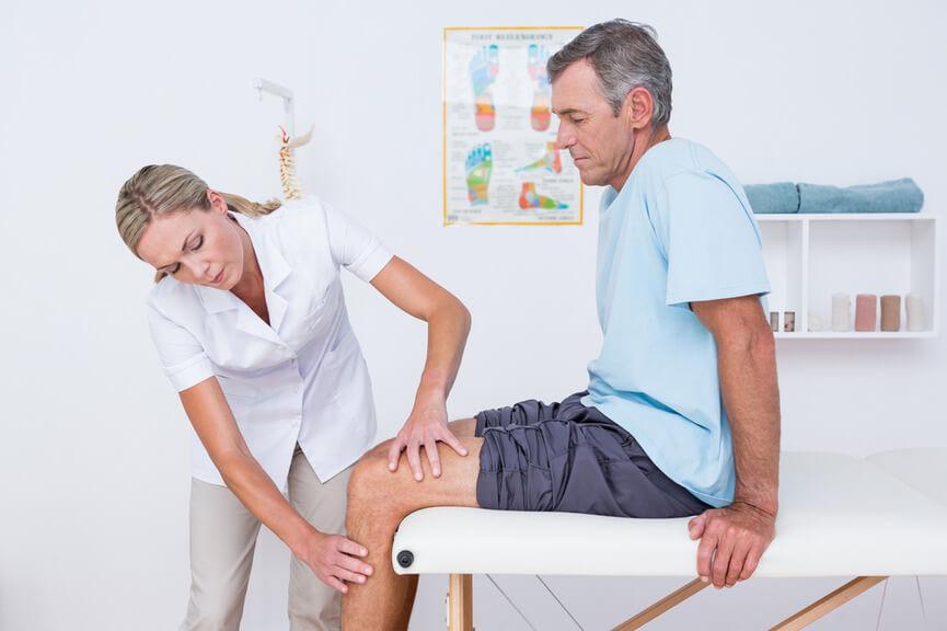 К какому ревматологу обратиться: отличия государственного и частного специалиста