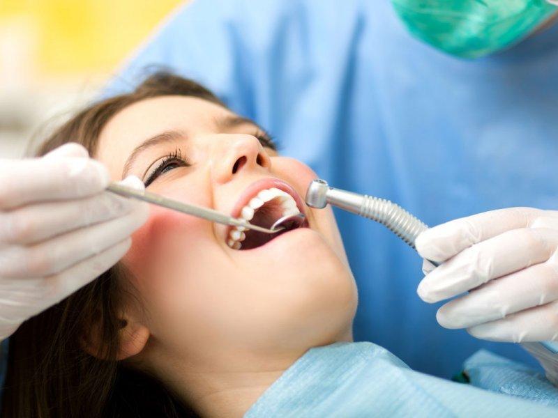 Потеря зубов повышает риск инфарктов и инсультов