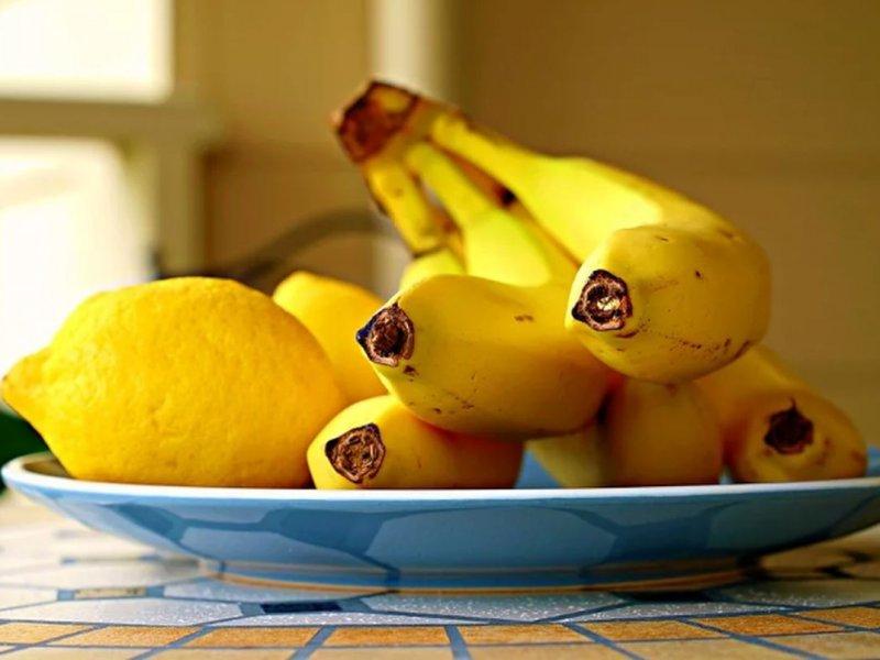 Бананы и лимоны защитят сердце в холодное время года