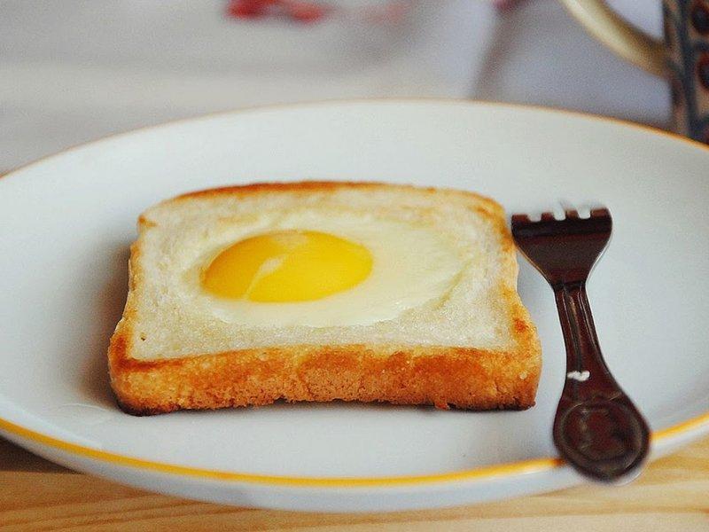 Аллергия и высокий холестерин: врач сообщила, когда нужно отказаться от яиц
