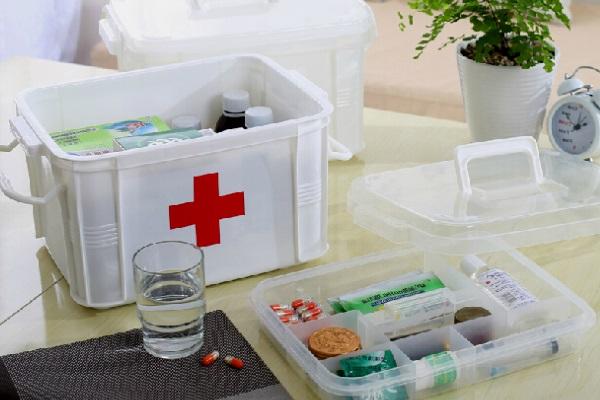 Аптечка для пожилого человека: что в неё положить?