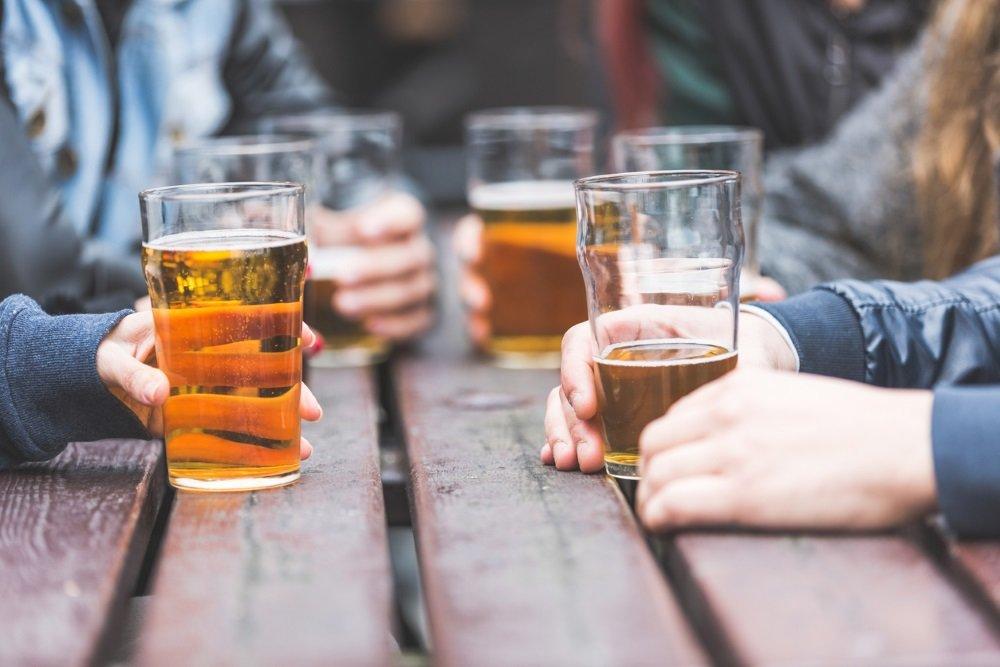 Кардиолог рассказал о реальном влиянии кофе и алкоголя на сердце