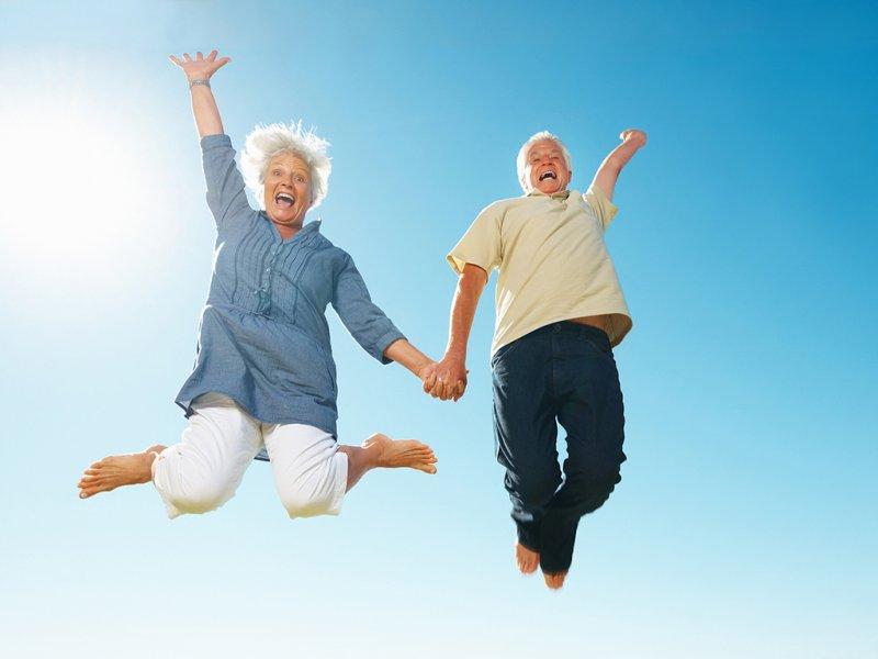 Новые данные о долголетии: ежедневная прогулка влияет на здоровье больше, чем риск болезней сердца