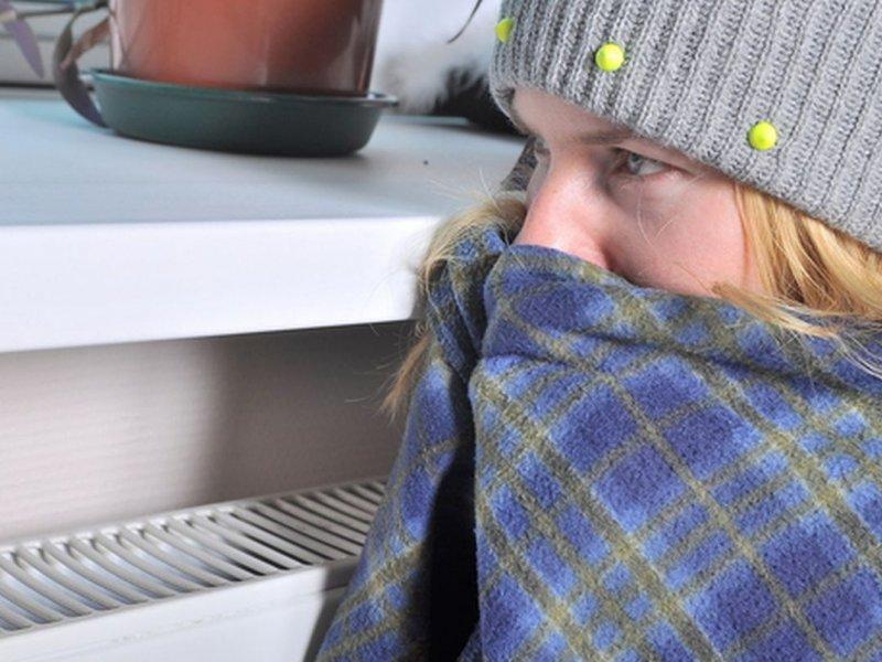 Ученые: холодные руки и ноги у стройных людей связаны с опасным синдромом