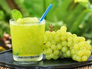 Ученые советуют пить виноградный сок для защиты от рака, артрита и болезней сердца