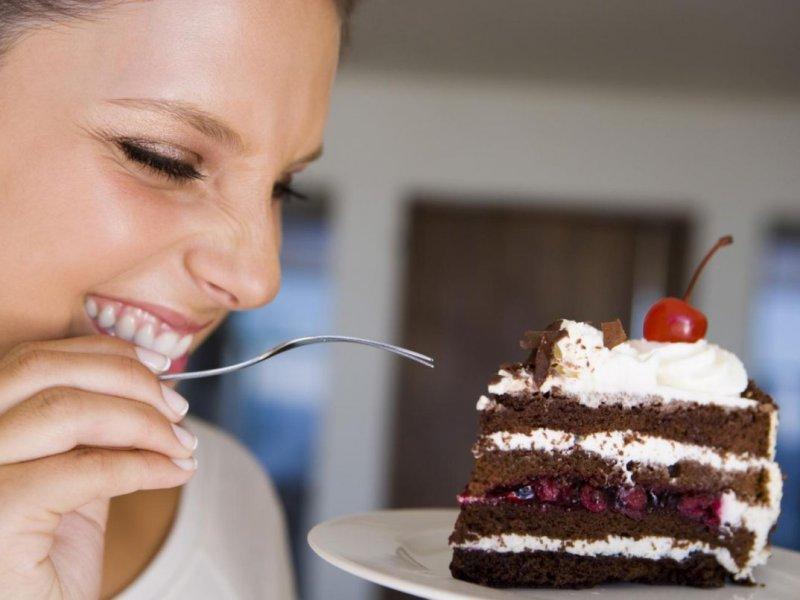 Грозит диабетом: врач предупредила об опасности сладкого на пустой желудок