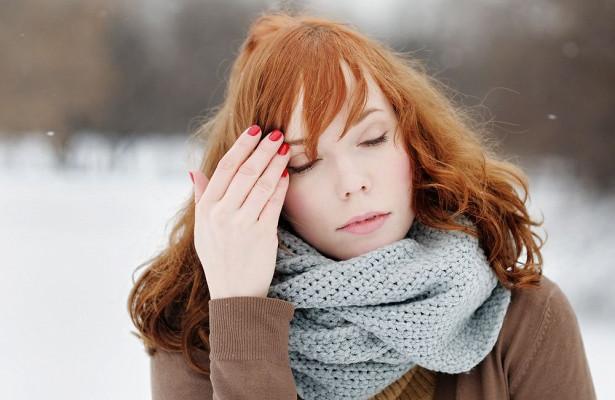 Невролог объяснила, почему зимой может чаще болеть голова
