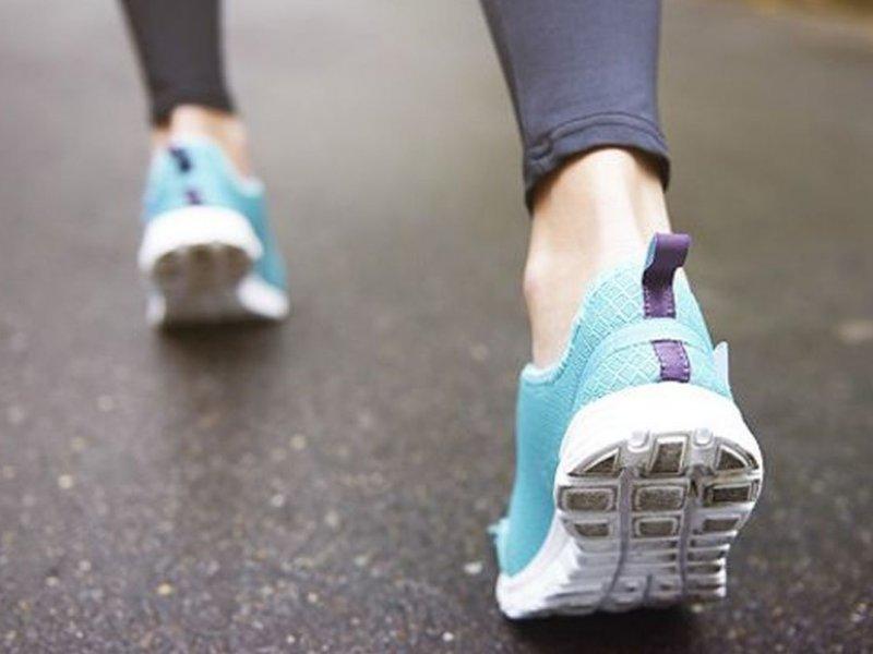 Ученые рассказали о пользе для здоровья ежедневной 15-минутной ходьбы