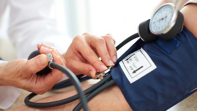 Исследование: артериальное давление может отличаться при измерении на разных частях тела