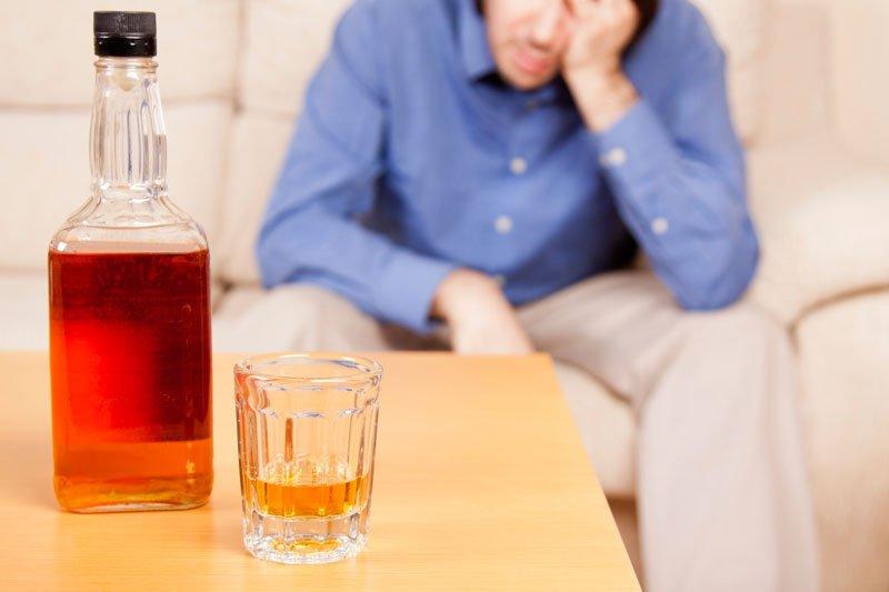 Можно ли лечить алкоголизм без ведома больного?