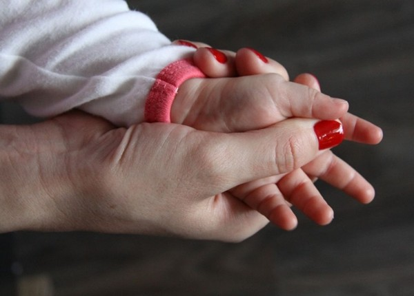 Шелушение ладоней: причины, лечение