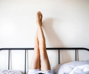 Как облегчить боль в ногах при варикозе