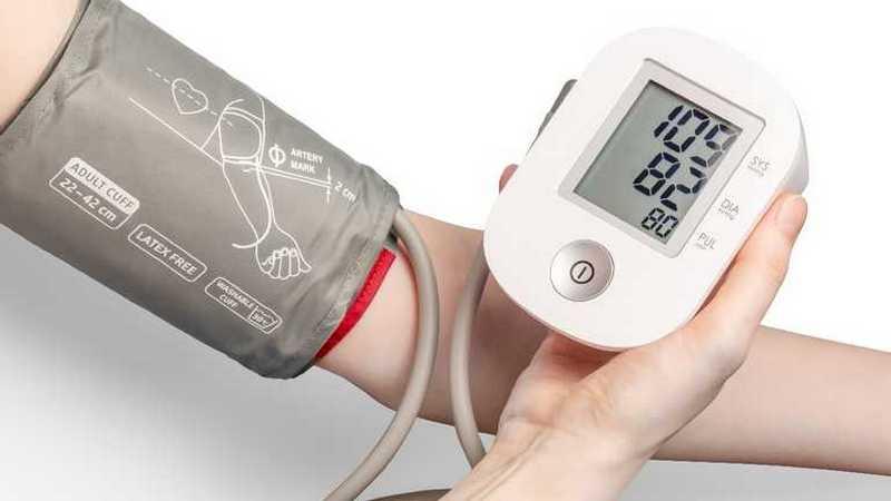 Гипертензия: названы причины и способы борьбы с повышенным давлением